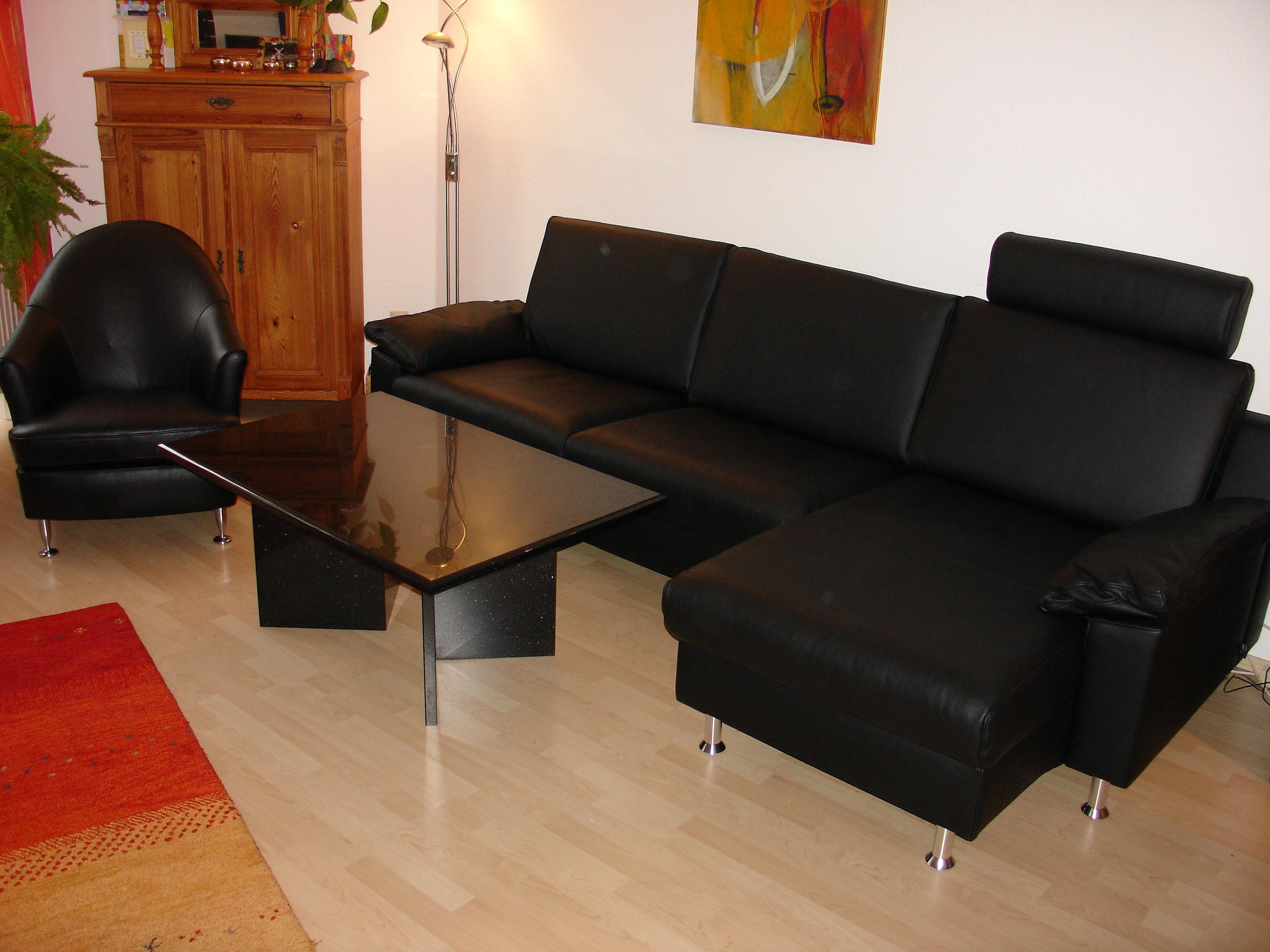 neues Sofa und neuer Sessel