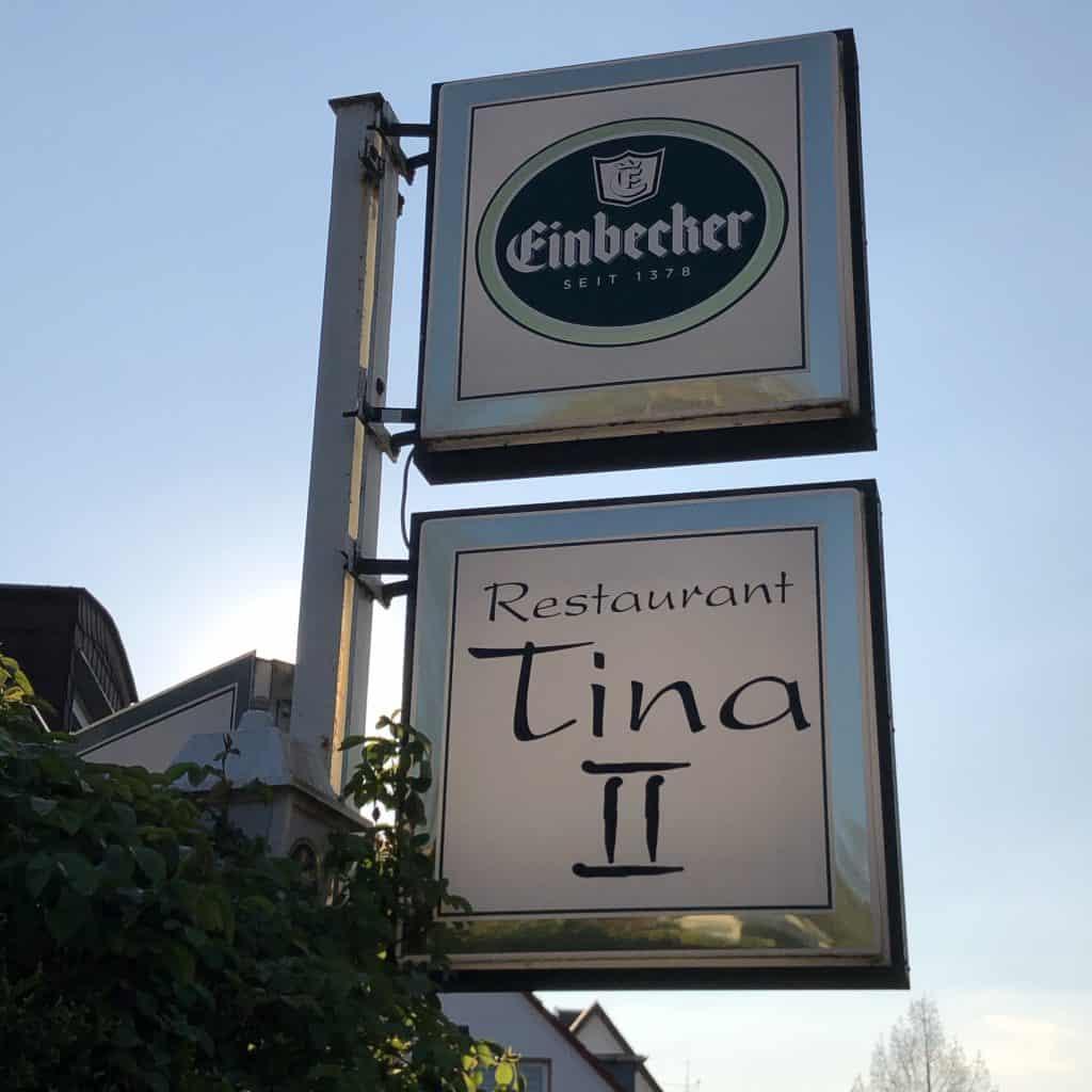 Restaurant Tina II Außenwerbung