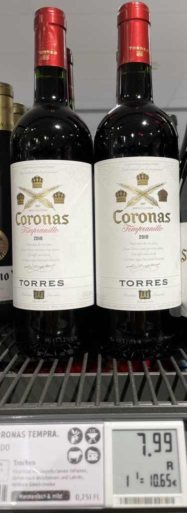 coronas-Wein im Weinregal