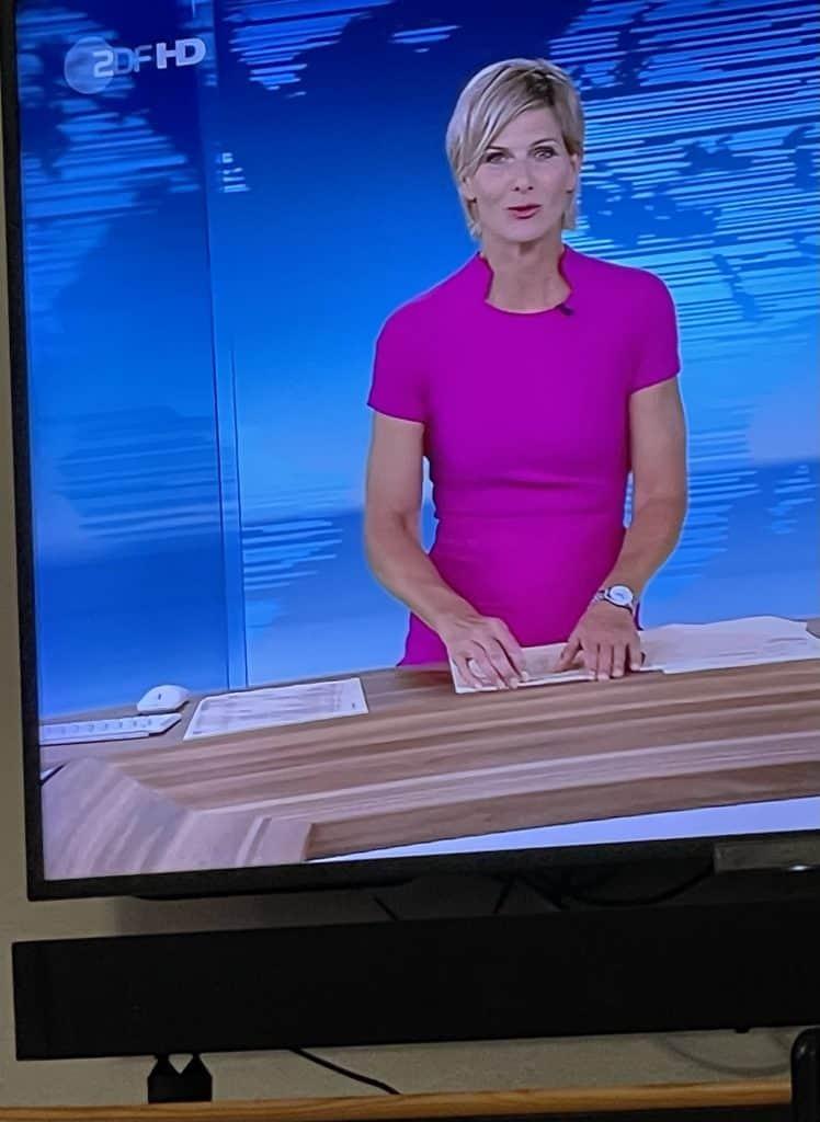 heute Nachrichtensprecherin