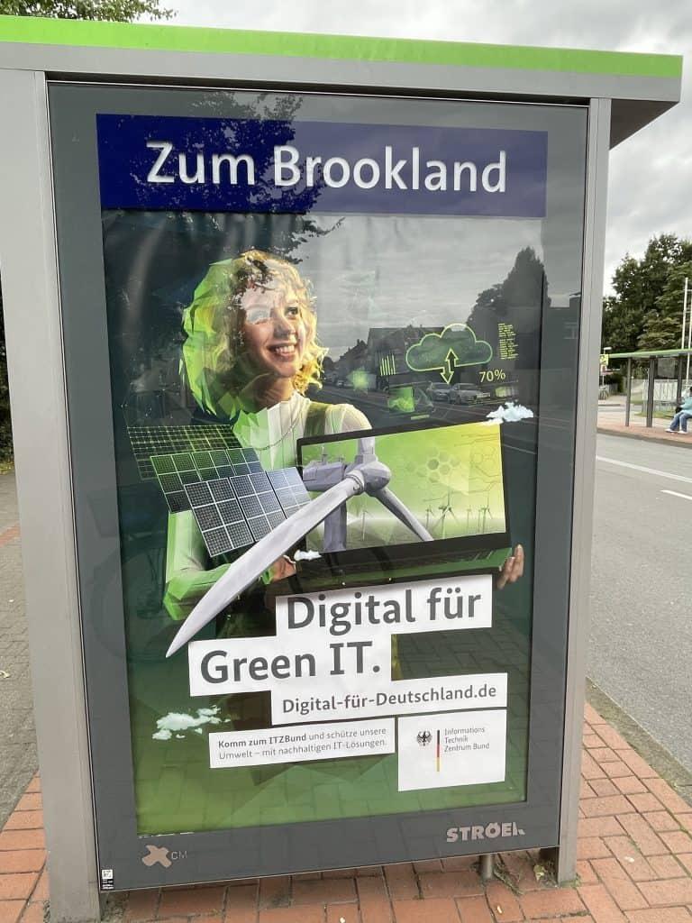 Haltestellenreklame des Informationstechnikzentrum Bund