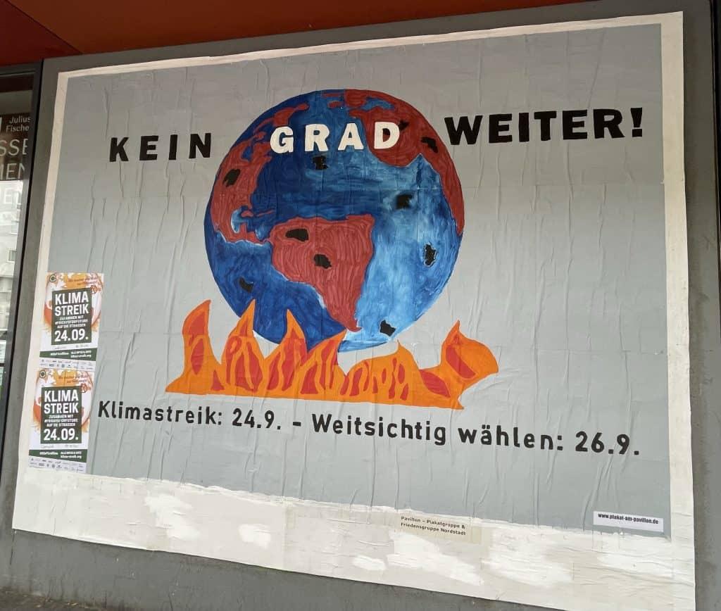 Plakat am Pavillion mit FFF-Streik-Plakat