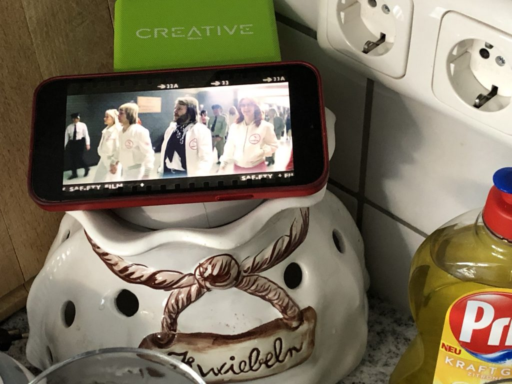 Küchenfoto mit neuem ABBA Video